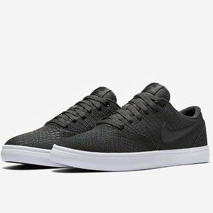 Nike SB Premium Crocodile Pattern Shoes NEW 🔥
